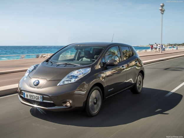 Фото Nissan Leaf 2016-2017 спереди