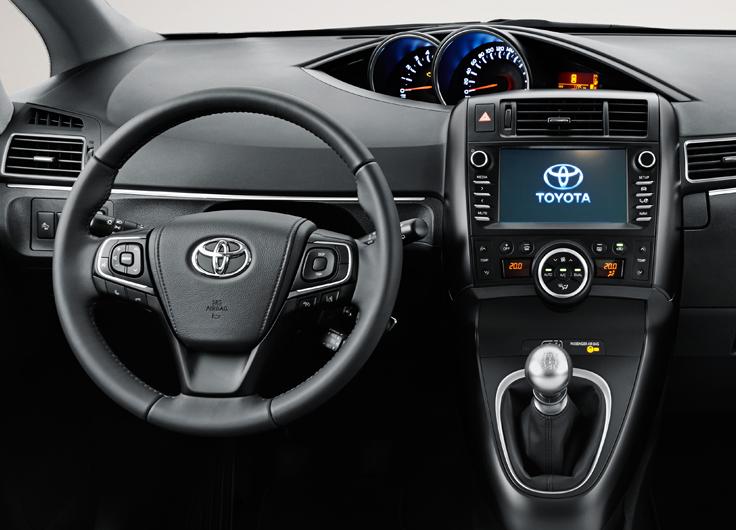 Toyota Verso 2016–2017 модельного года – обновленный компактвэн