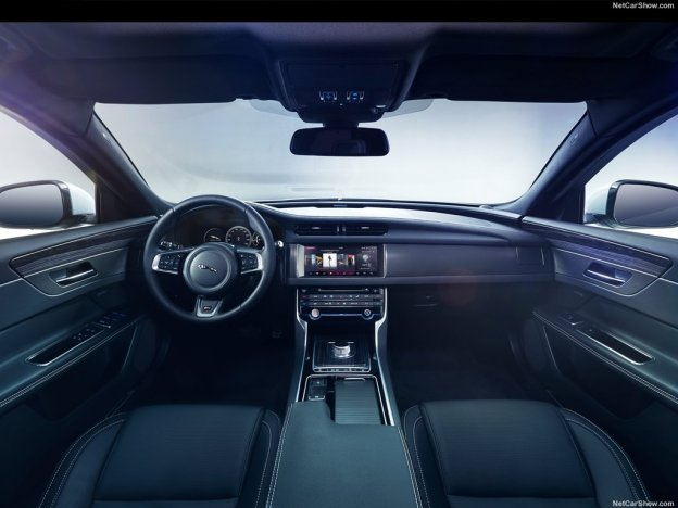 Фото салона Jaguar XF 2015 2016