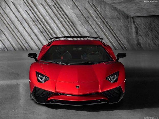 Дерзкий манящий взгляд Lamborghini Aventador LP750 4