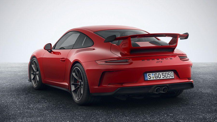Немецкая новинка Porsche 911 GT3 2018 с новым силовым агрегатом