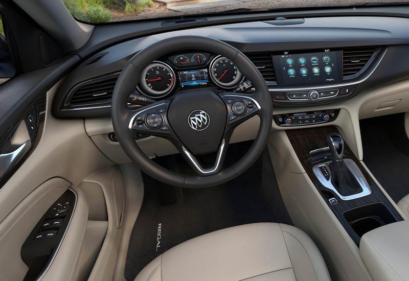 Buick Regal Sportback & TourX 2017-2018: линейка обновилась