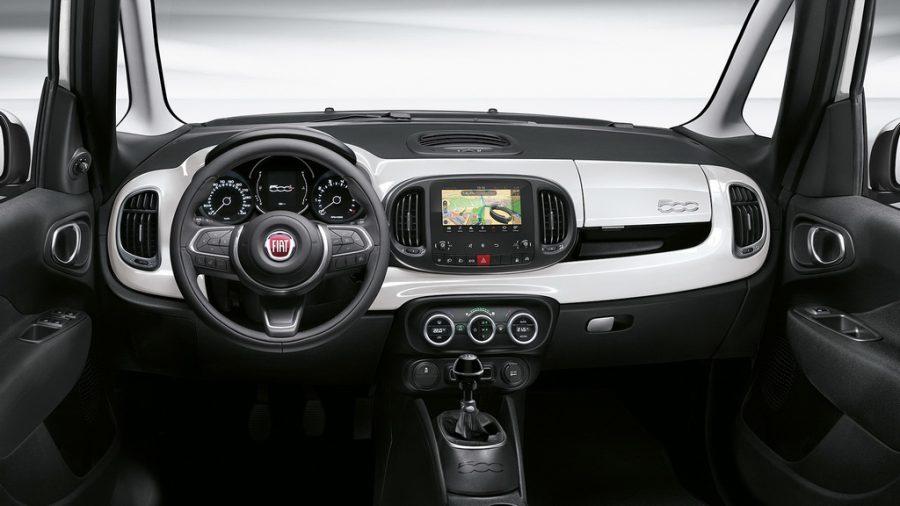 Fiat 500L 2017-2018: обновленное «лицо» итальянца