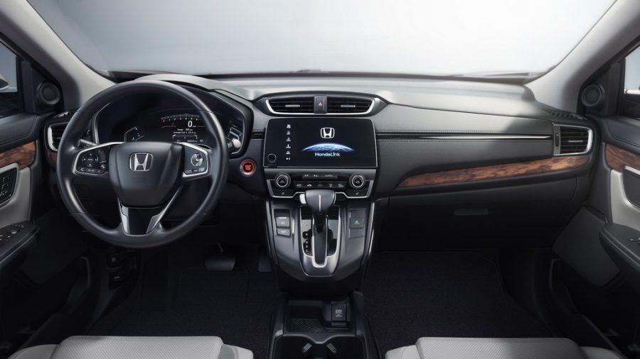 Honda CR-V 2017-2018: японский вседорожник в пятом поколении