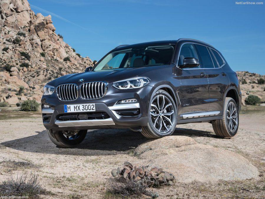 BMW X3 участвует в дорожных тестах