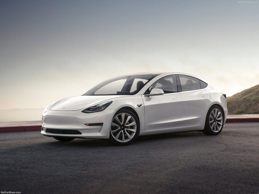 Tesla приступила к масштабному сокращению персонала