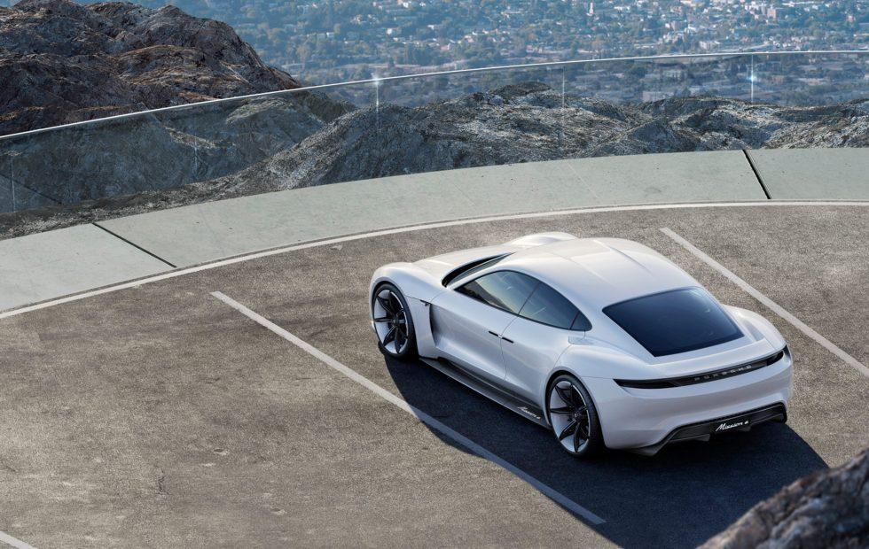 Электромобиль от Porsche получит название Taycan