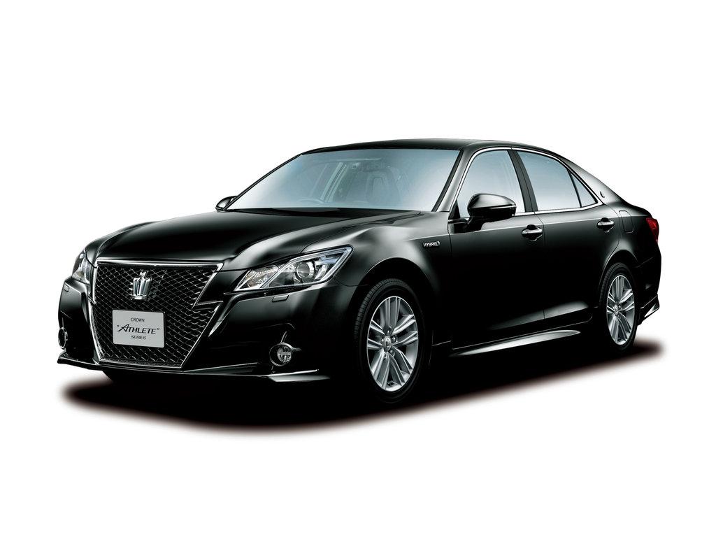 Toyota Crown новой генерации была продемонстрирована японским СМИ