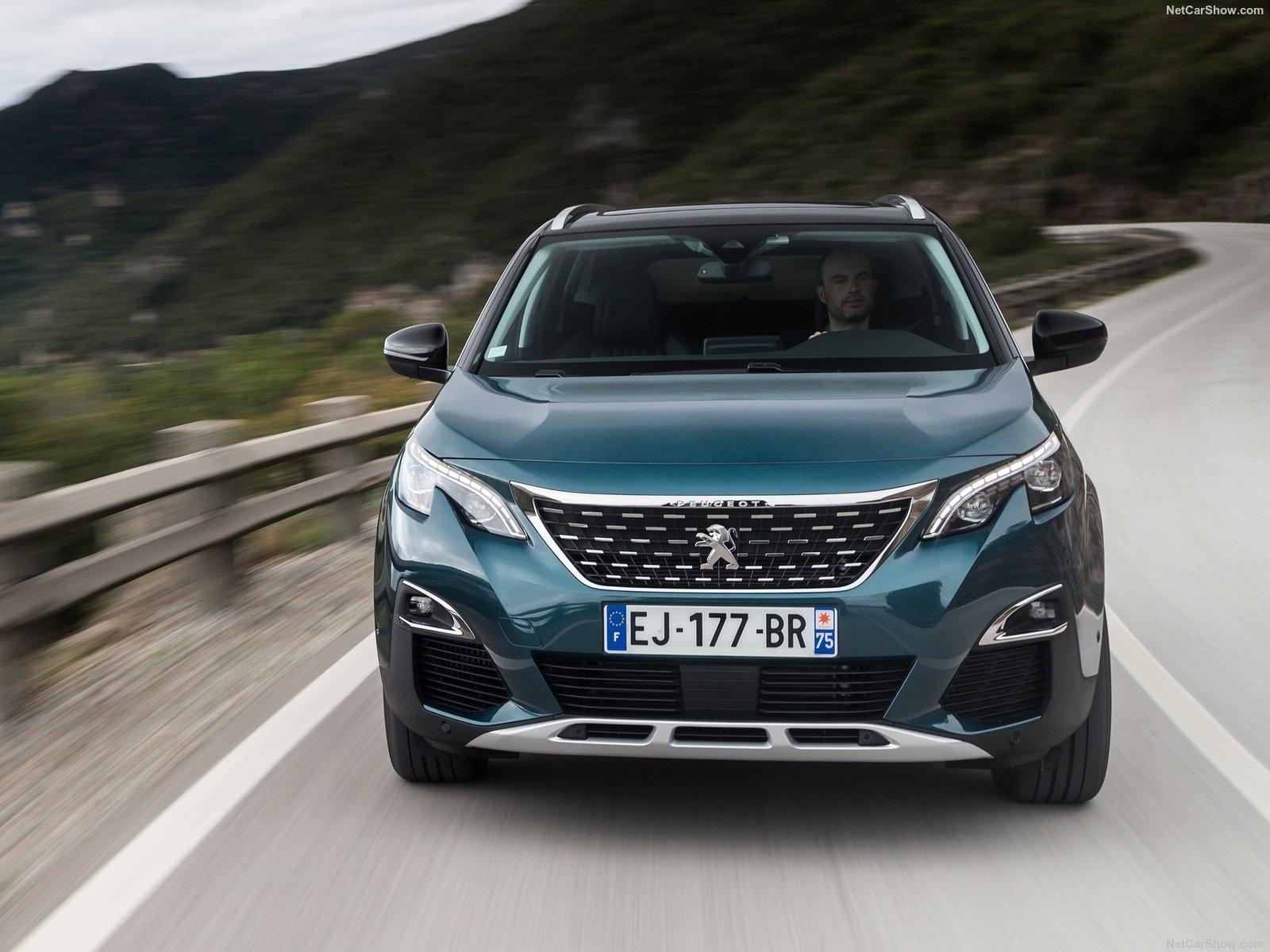 Peugeot 5008 опубликовала на официальном сайте цены на кроссовер 2018-2019 года