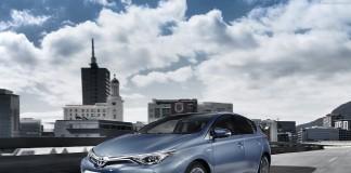 Тойота Аурис 2019 года – стильный хэтчбек для городских поездок